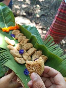 eating-sonkol-dapur-tara-flores-restaurant-komodo