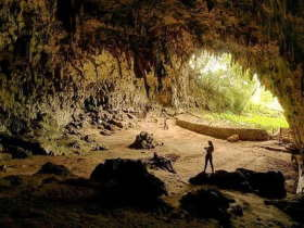 hobbit-cave-places-to-visit-sten-lodge-eco-homestay-labuan-bajo