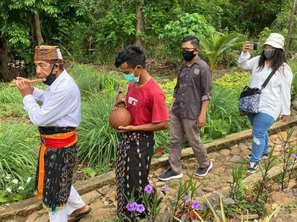 jungle-food-tour-sten-lodge-labuan-bajo-komodo