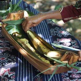 prepared-bamboo-rice-dapur-tara-flores-restaurant-komodo