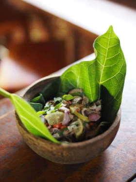 sambal-dapur-tara-flores-restaurant-komodo