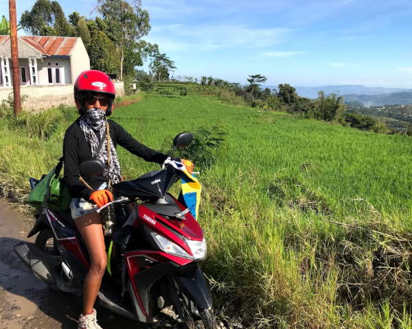 scooter-transport-sten-lodge-eco-homestay-labuan-bajo
