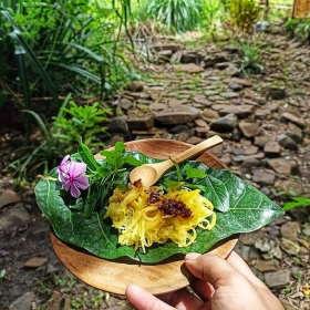 serving-breakfast-dapur-tara-flores-restaurant-komodo